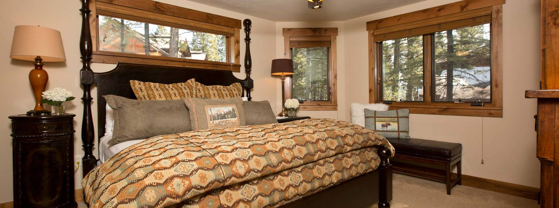 Spacious bedroom in the Blue Moose Lodge in Jackson Hole