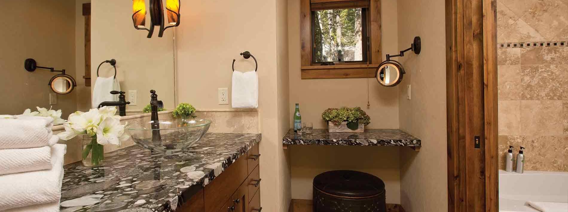 Luxury bathroom in the 6.5 bathroom Blue Moose Lodge