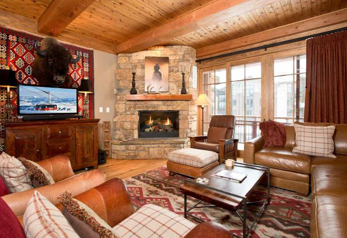 Jackson Hole rental with large greatroom and fireplace