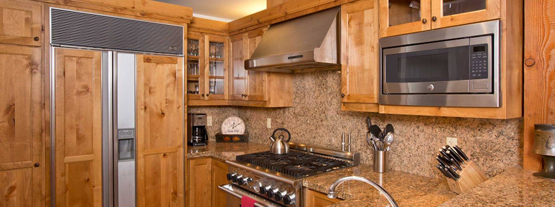 Pathfinder private home rental large kitchen